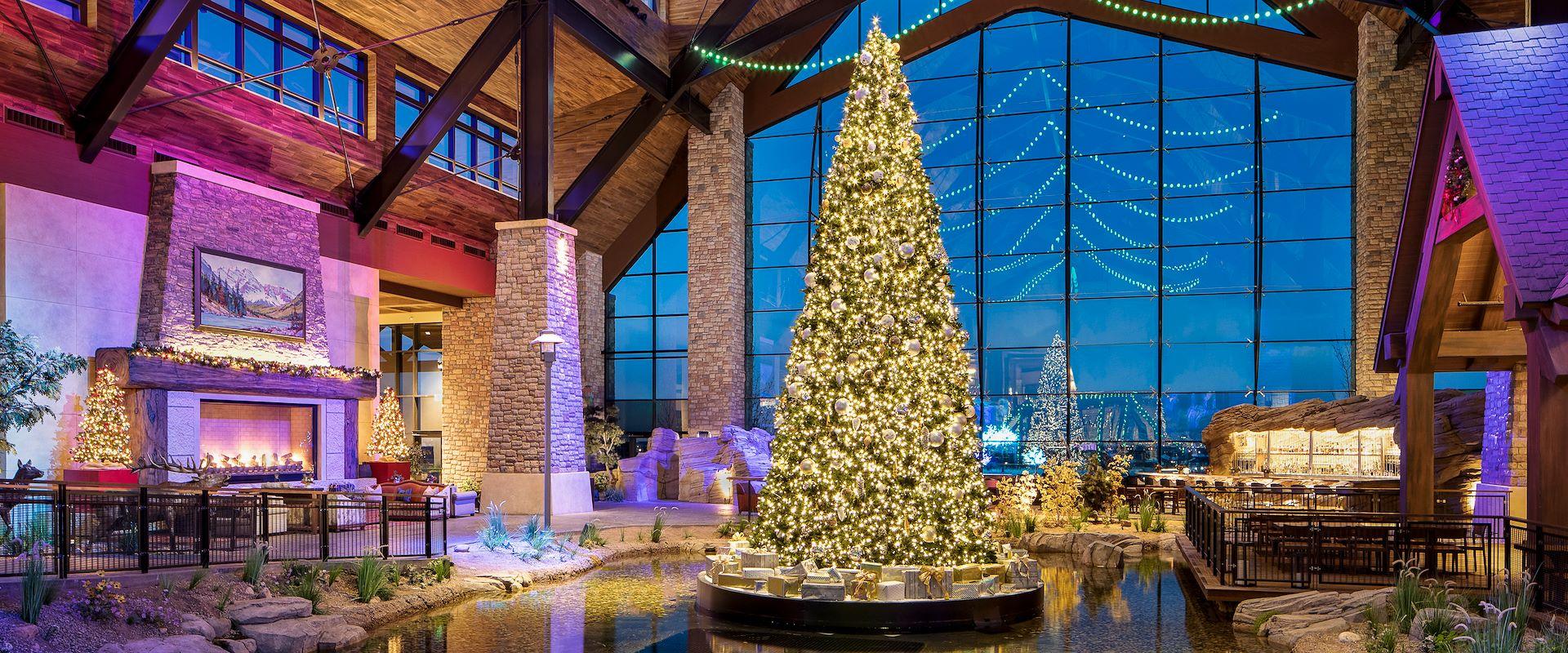 Grand lodge Christmas tree at Gaylord Rockies